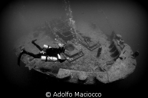 Sidemount diver on the Thistlegorm by Adolfo Maciocco 